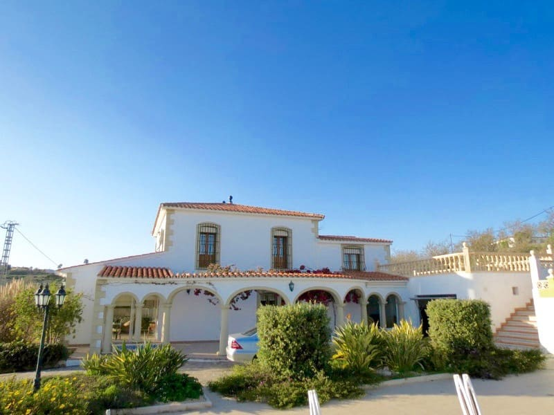 5 bedroom Finca/Country House for sale in Teulada with pool - € 698,000 (Ref: 3546794)