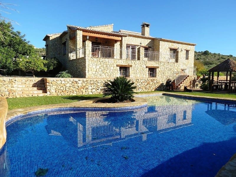 4 bedroom Finca/Country House for sale in Teulada with pool - € 990,000 (Ref: 4312251)