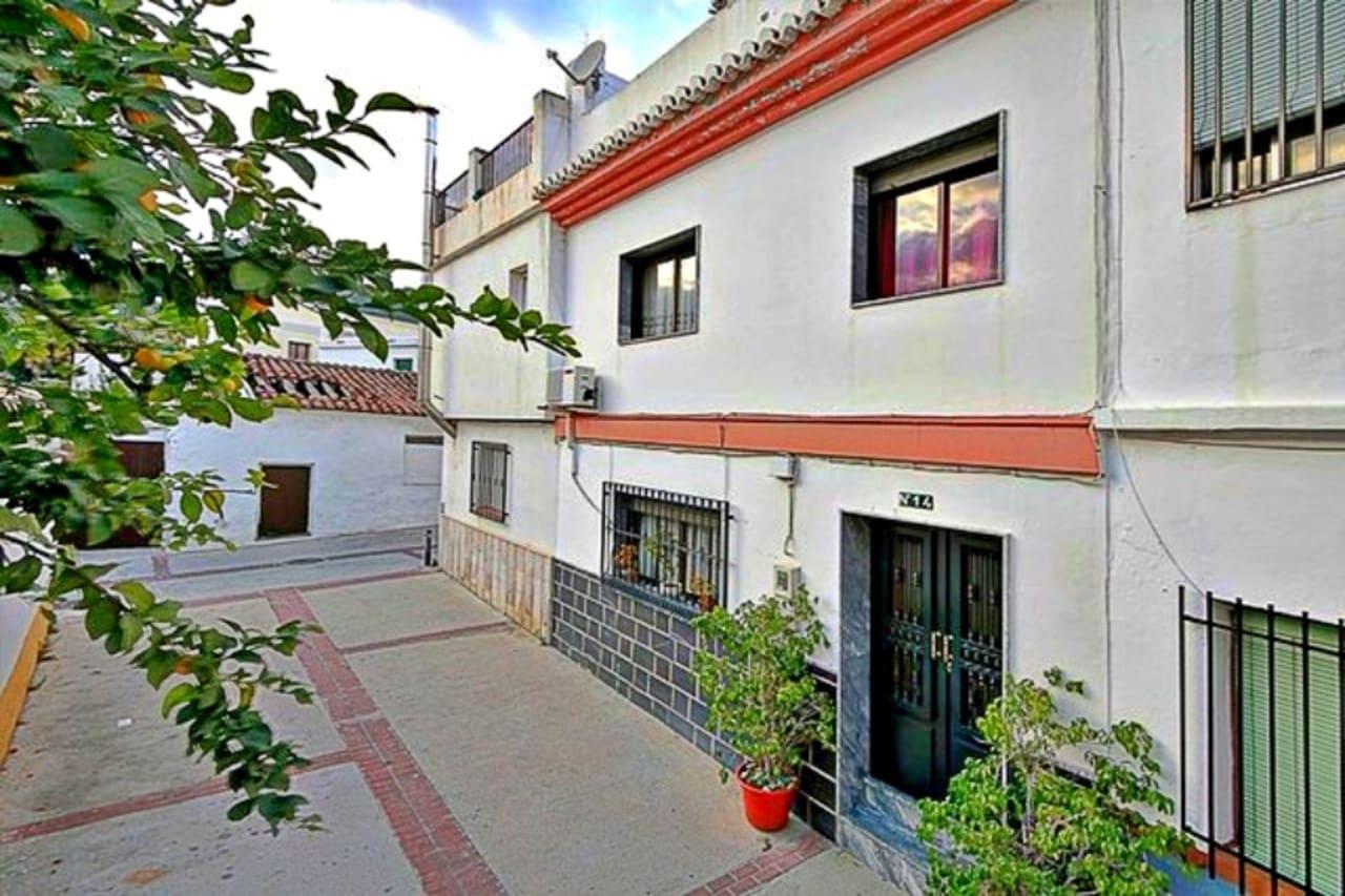 3 bedroom Townhouse for sale in Velez de Benaudalla - € 90,000 (Ref: 5021613)