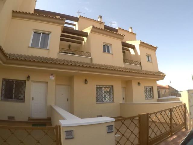 3 soveværelse Byhus til salg i El Mirador med swimmingpool - € 118.900 (Ref: 5100479)