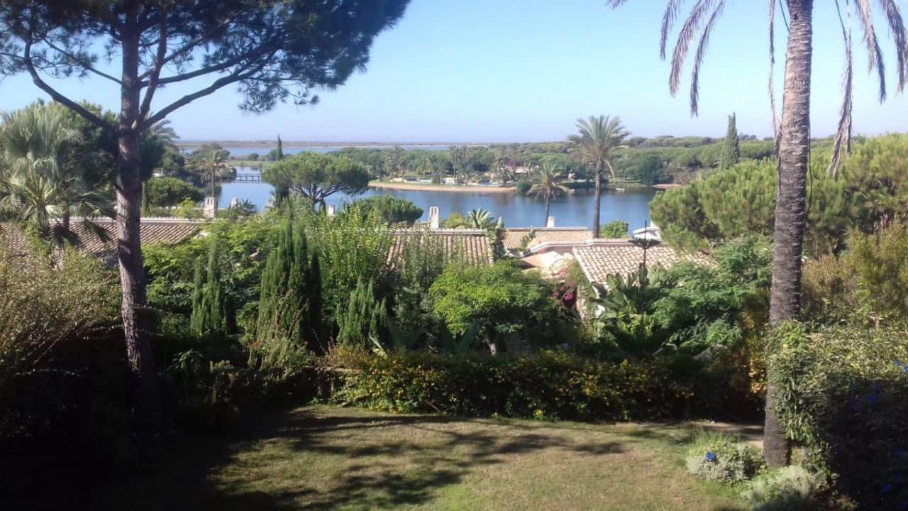 4 Zimmer Villa zu verkaufen in El Rompido mit Pool - 620.000 € (Ref: 5347766)