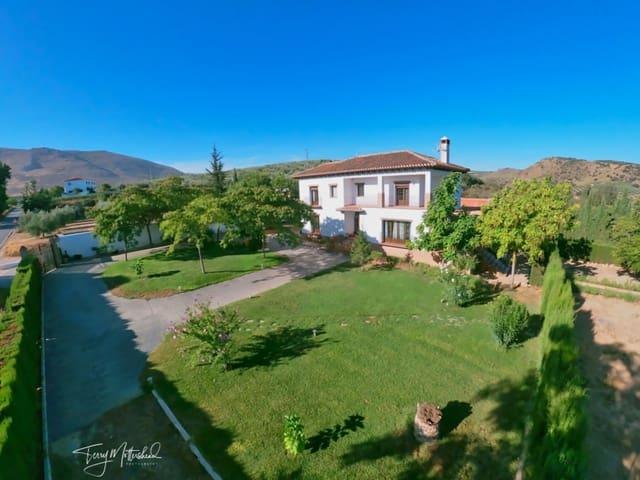 4 sovrum Villa till salu i Loja med pool garage - 465 000 € (Ref: 5529230)
