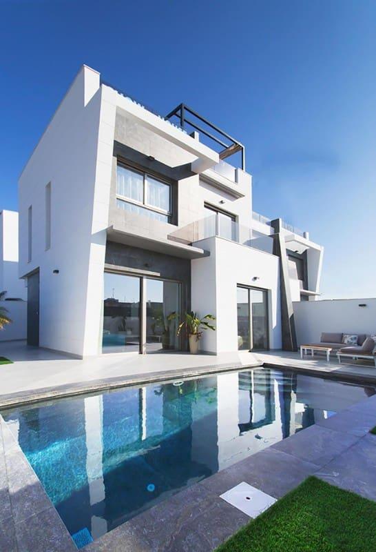 Chalet de 3 habitaciones en Benijófar en venta - 309.000 € (Ref: 4561492)