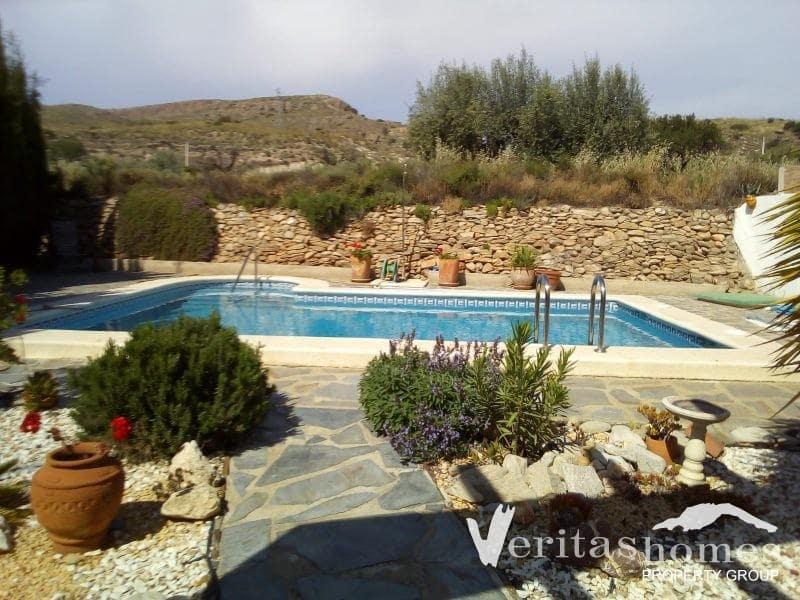 Chalet de 3 habitaciones en Cariatiz en venta con piscina - 185.000 € (Ref: 4596661)
