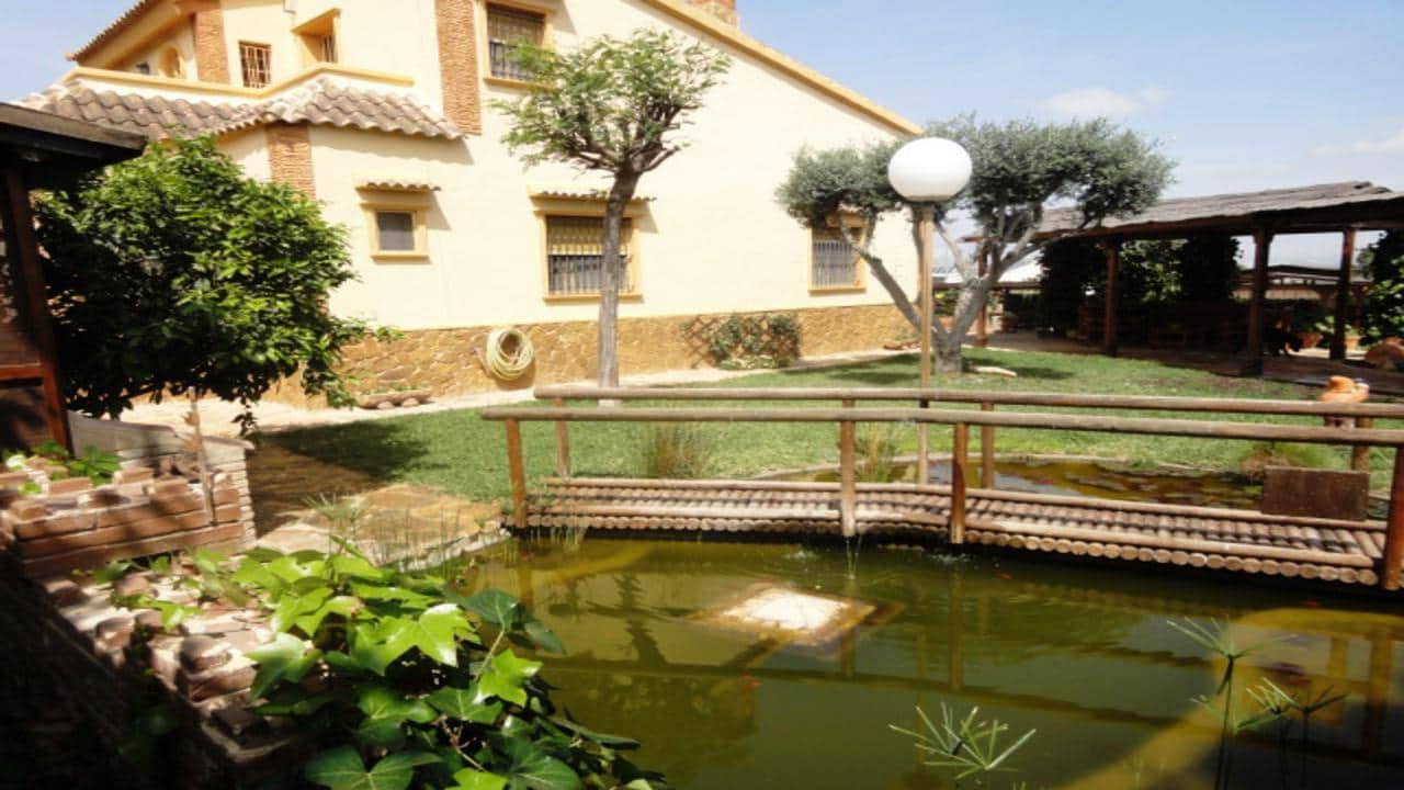 Chalet de 5 habitaciones en Orihuela en venta con piscina - 368.000 € (Ref: 4950665)