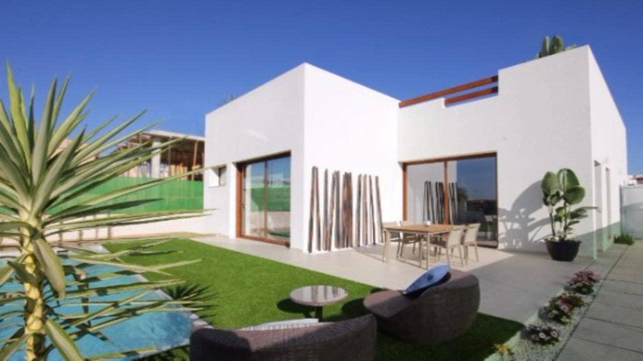 Chalet de 3 habitaciones en Benijófar en venta con piscina - 314.900 € (Ref: 5073550)