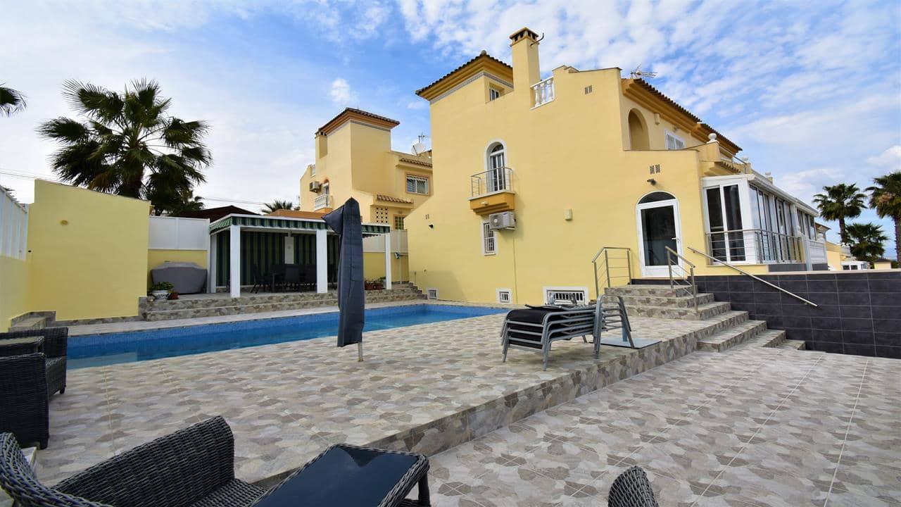 Chalet de 2 habitaciones en Pueblo Lucero en venta con piscina garaje - 179.950 € (Ref: 5469759)