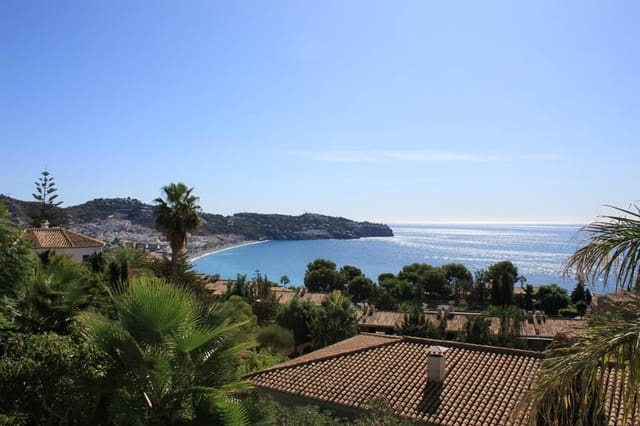5 makuuhuone Huvila myytävänä paikassa La Herradura mukana uima-altaan - 995 000 € (Ref: 5976505)