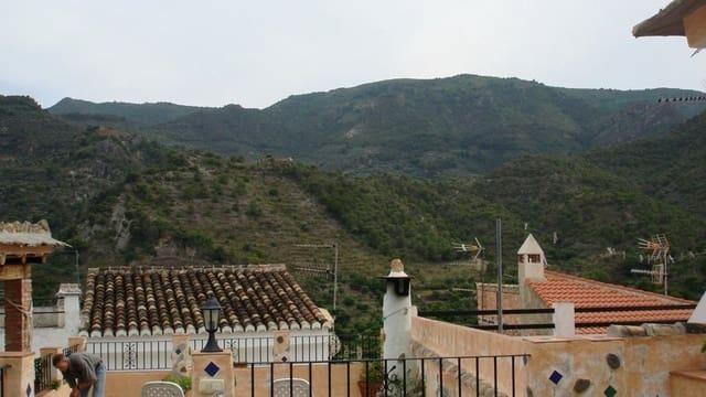 3 bedroom Villa for sale in Los Guajares - € 284,000 (Ref: 5976507)