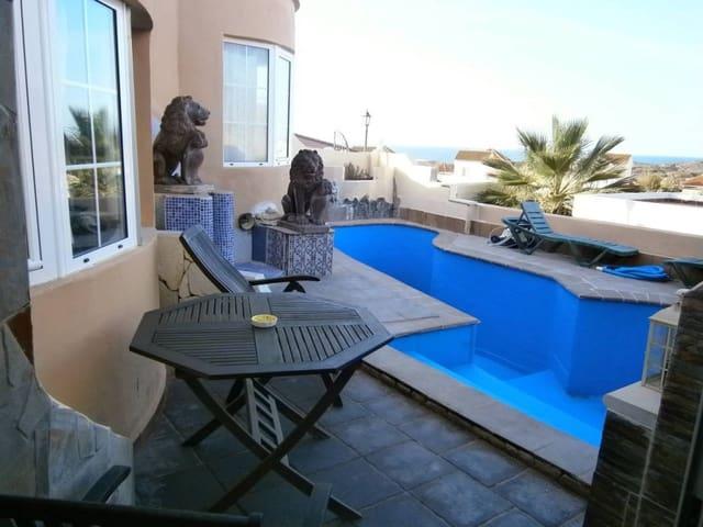 Chalet de 2 habitaciones en La Pared en venta con piscina - 270.000 € (Ref: 3231126)