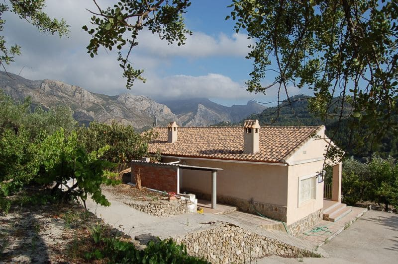 3 bedroom Finca/Country House for sale in Tarbena - € 180,000 (Ref: 1836970)