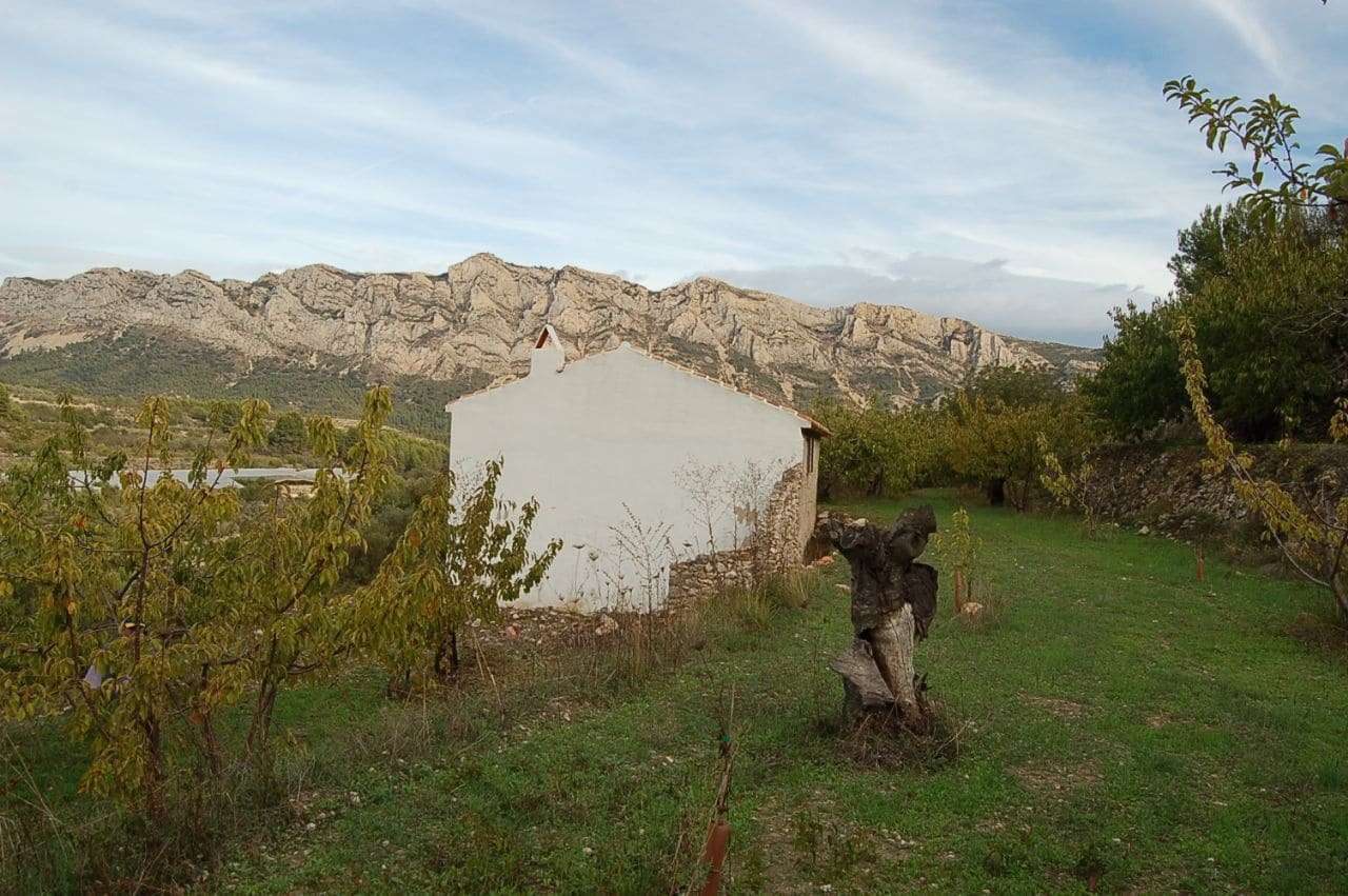 Finca/Country House for sale in Tarbena - € 76,000 (Ref: 3154247)