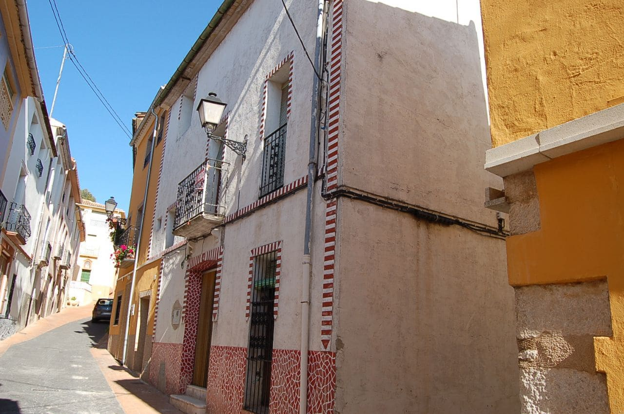 Casa de 3 habitaciones en Facheca en venta - 80.000 € (Ref: 3154252)
