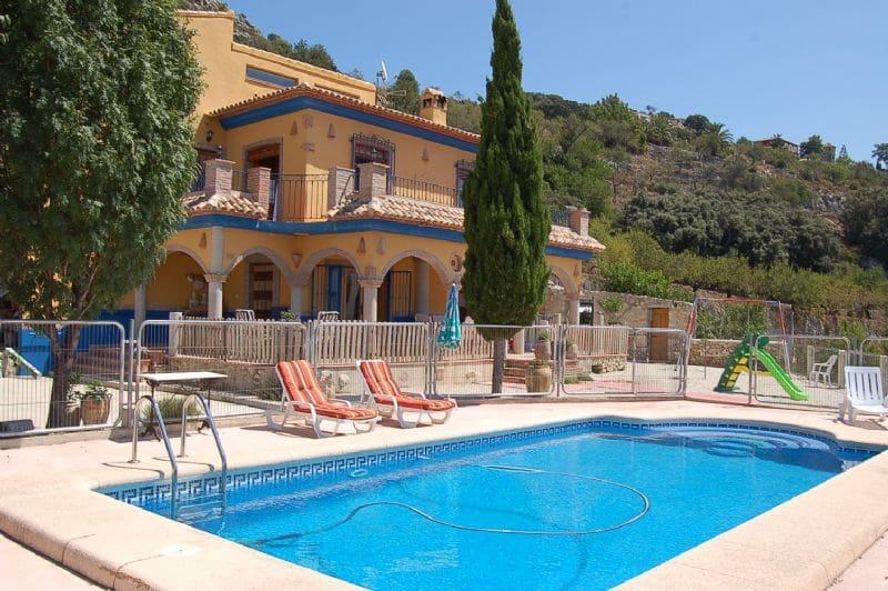 4 sypialnia Willa na kwatery wakacyjne w Tarbena z basenem garażem - 1 260 € (Ref: 3154264)