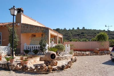 3 bedroom Finca/Country House for sale in Bolbaite with pool garage - € 140,000 (Ref: 3154284)