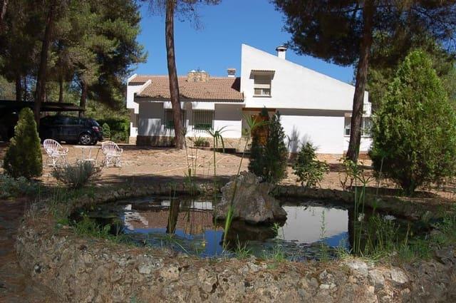 Chalet de 4 habitaciones en Alcoy / Alcoi en venta con piscina garaje - 250.000 € (Ref: 3154292)
