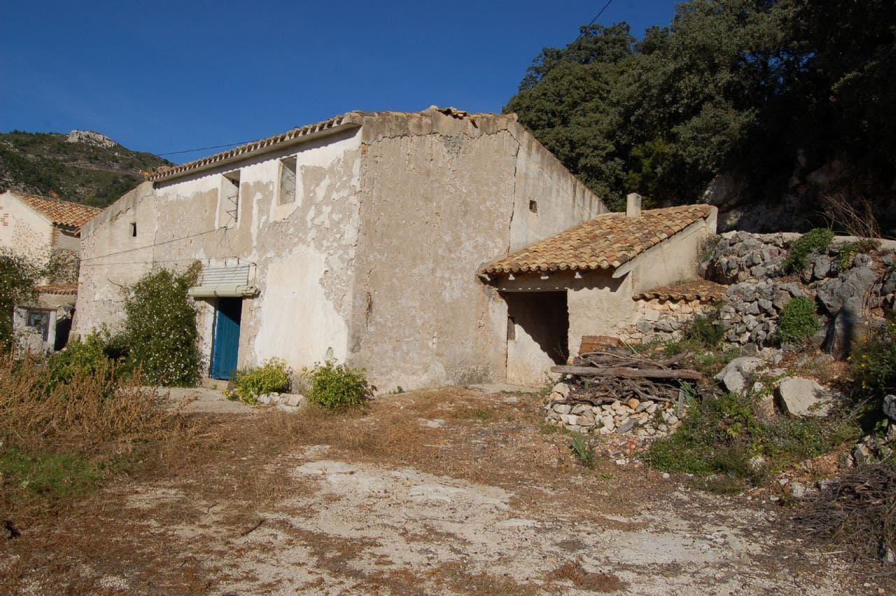 3 bedroom Finca/Country House for sale in Tarbena - € 45,000 (Ref: 4042547)
