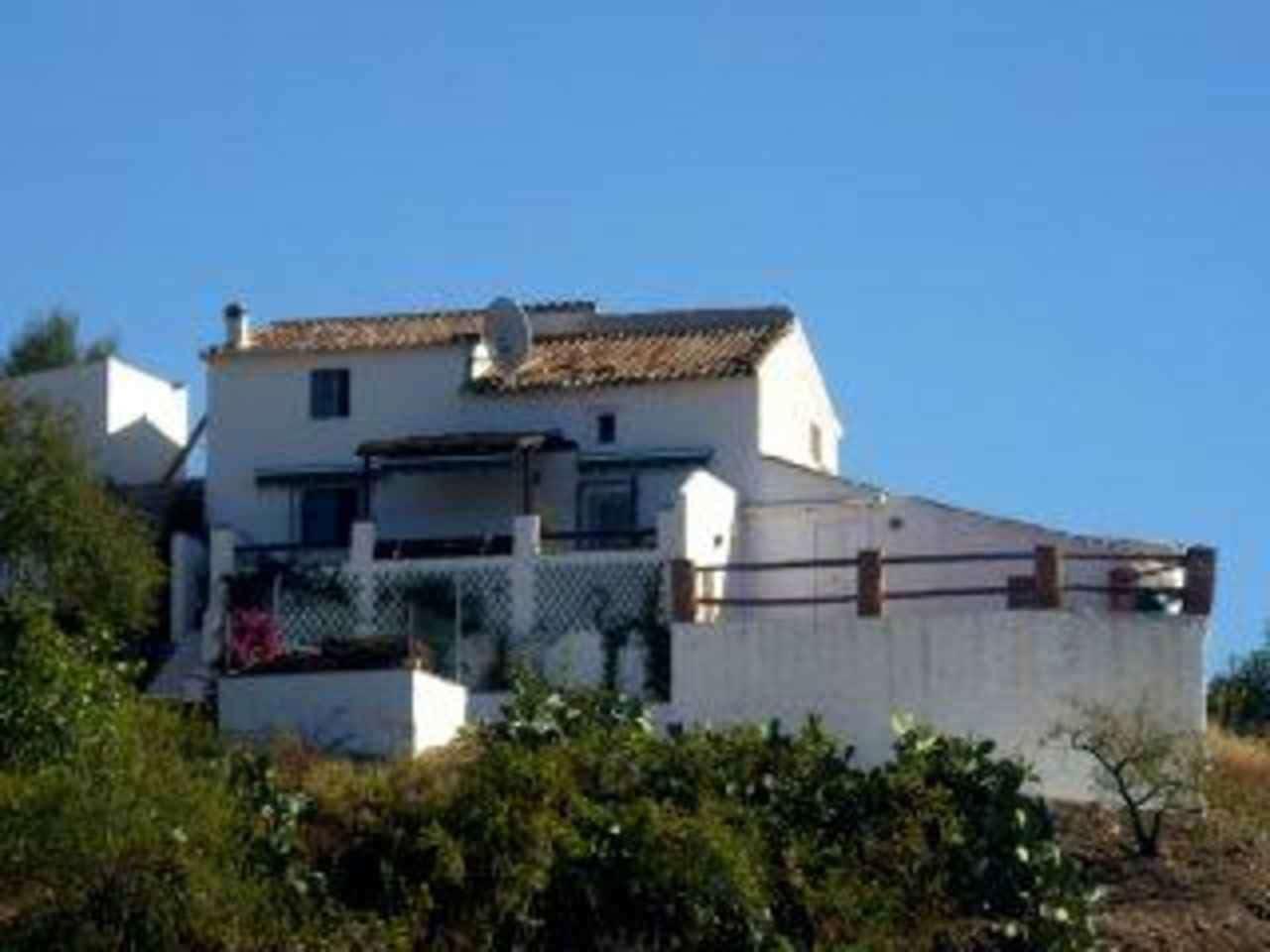 3 bedroom Finca/Country House for sale in Benamargosa - € 170,000 (Ref: 3146340)