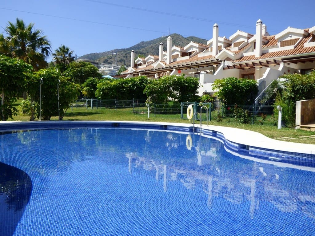 4 bedroom Townhouse for sale in Benalmadena with pool garage - € 554,500 (Ref: 4286579)