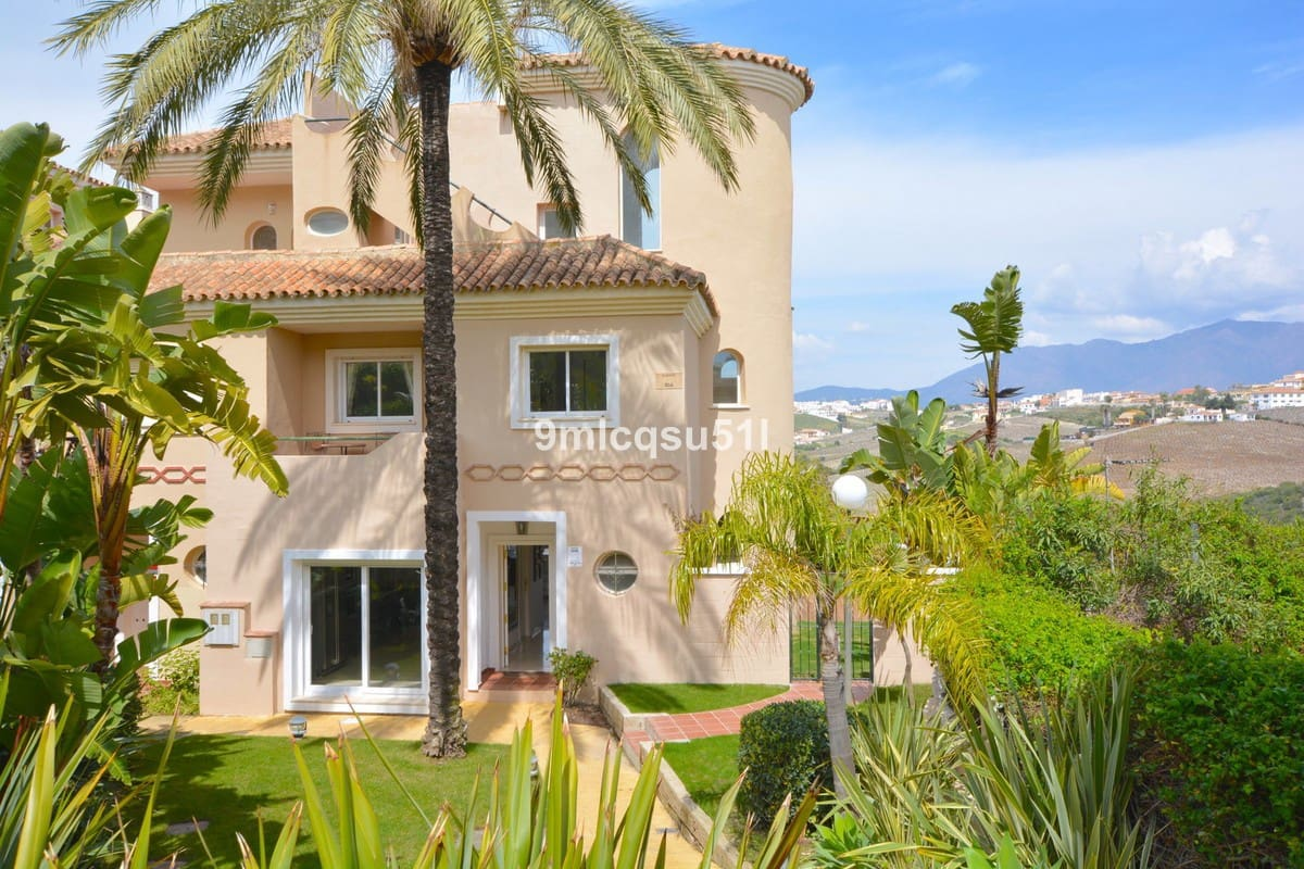 5 bedroom Townhouse for sale in Manilva with pool garage - € 439,000 (Ref: 4860307)
