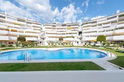 3 chambre Penthouse à vendre à Nueva Andalucia avec piscine - 399 000 € (Ref: 4976506)