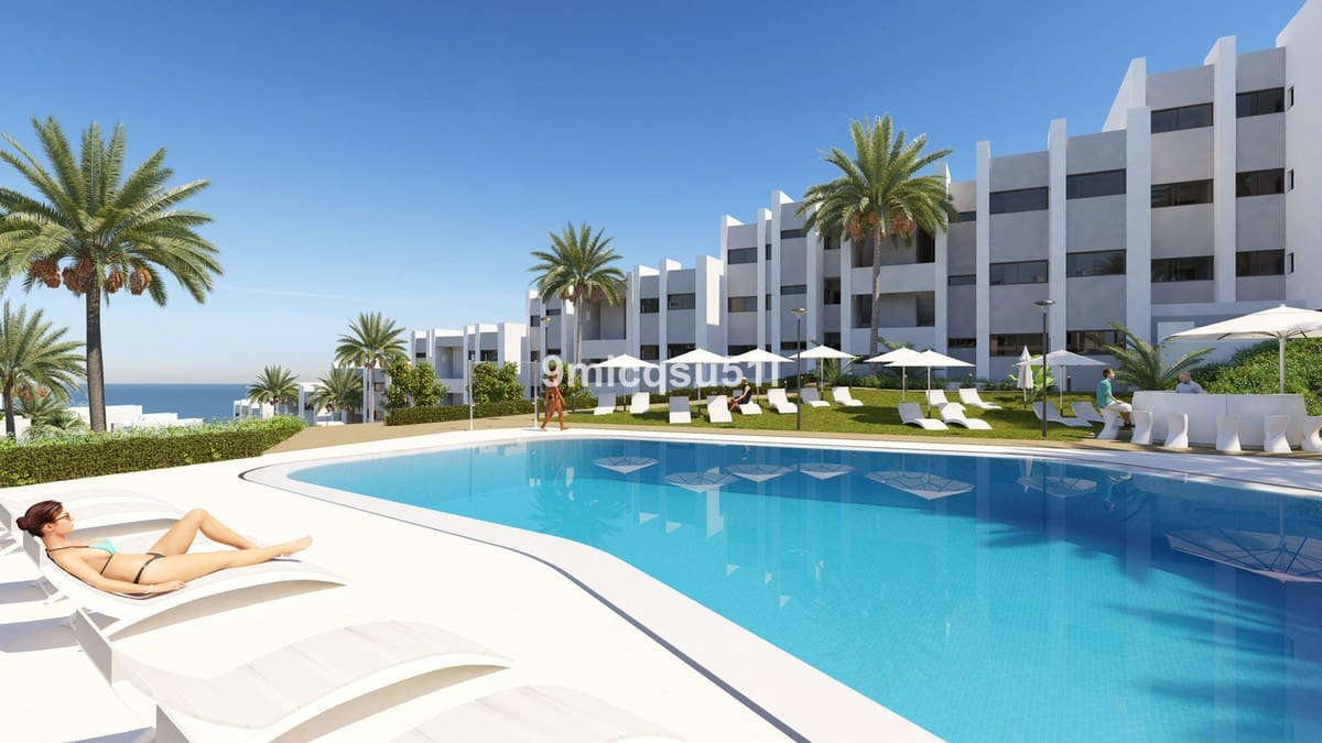 2 bedroom Apartment for sale in Manilva with pool garage - € 199,500 (Ref: 5125435)