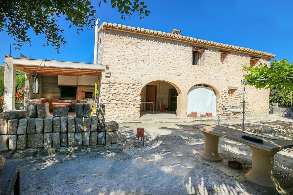 5 bedroom Finca/Country House for sale in Teulada with pool - € 465,000 (Ref: 5406978)