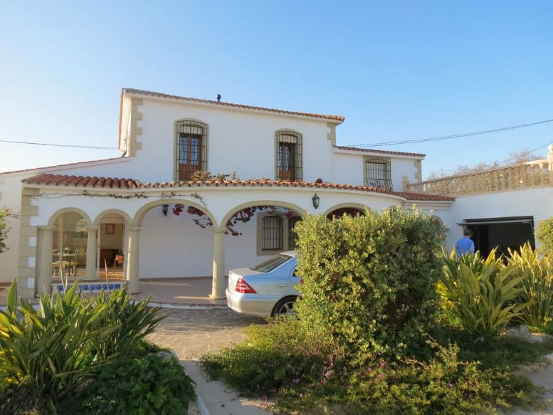 6 bedroom Finca/Country House for sale in Teulada with pool garage - € 699,000 (Ref: 5563591)