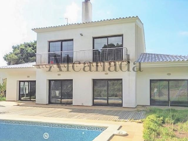 4 bedroom Villa for sale in Cala Morell with pool - € 899,000 (Ref: 4157875)
