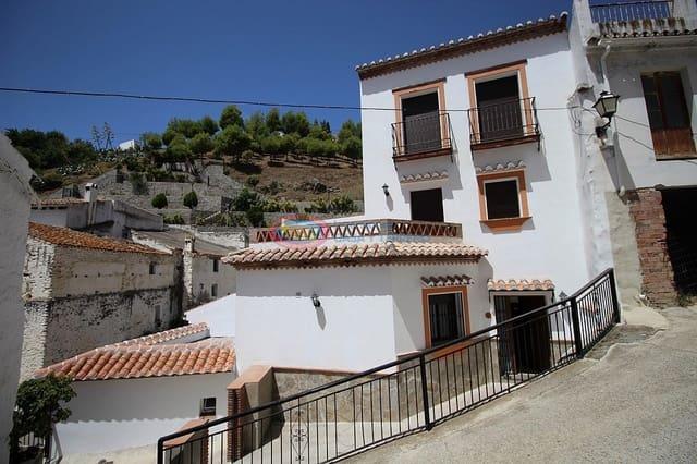 Pareado de 3 habitaciones en Salares en venta - 212.100 € (Ref: 4454055)