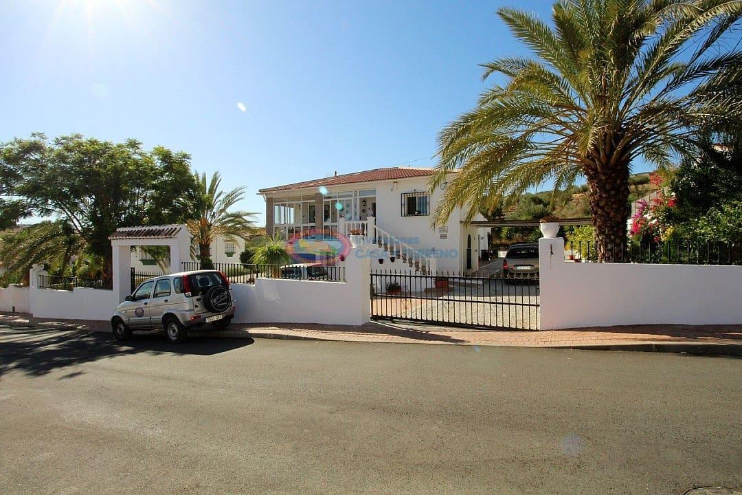4 bedroom Villa for sale in Alcaucin - € 299,950 (Ref: 4454134)