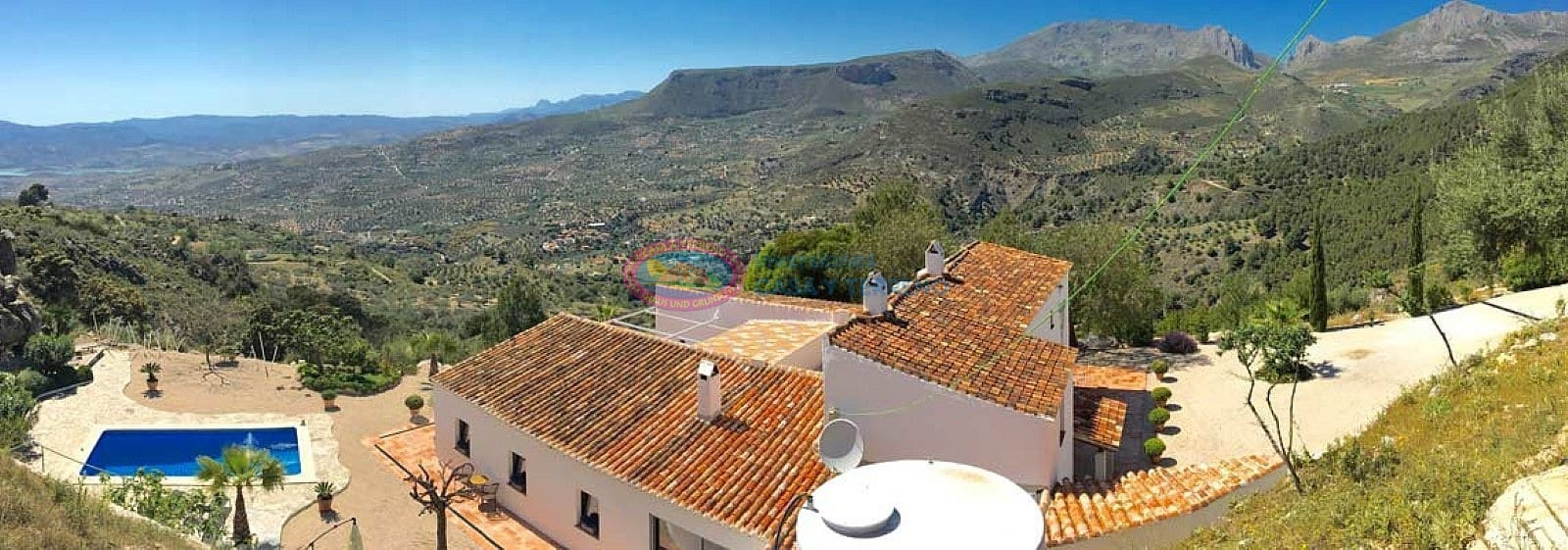 6 bedroom Villa for sale in Alcaucin with pool - € 795,000 (Ref: 4673356)