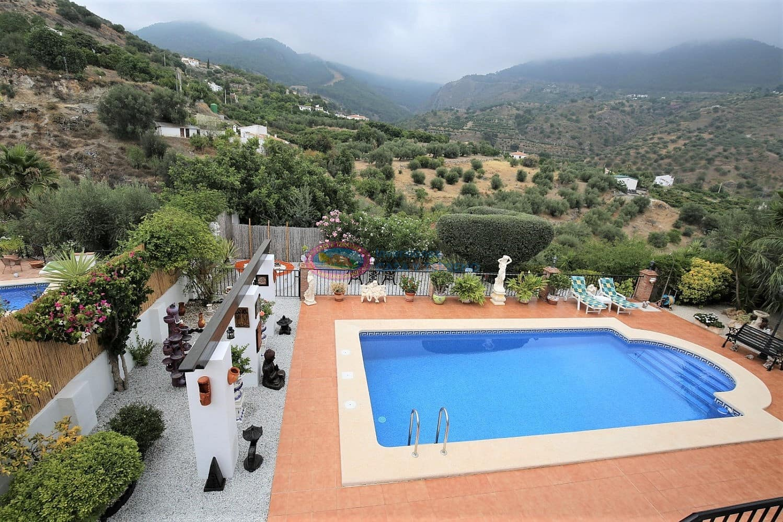 5 bedroom Villa for sale in Alcaucin with pool - € 349,900 (Ref: 4689779)