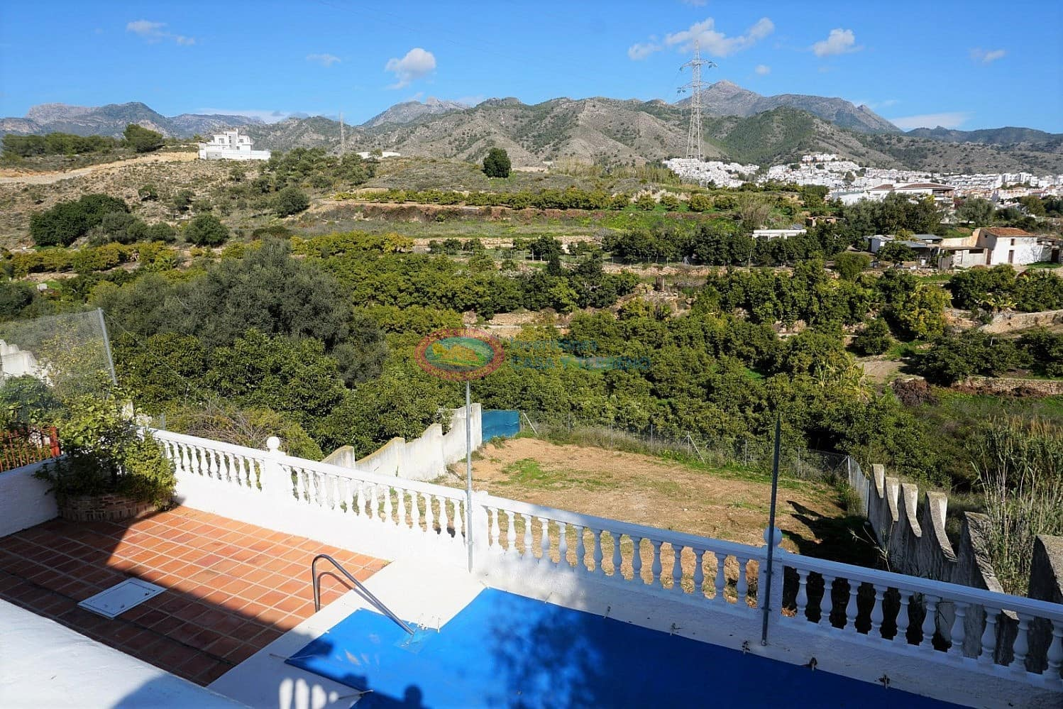 4 bedroom Villa for sale in Nerja with pool - € 350,000 (Ref: 5118353)