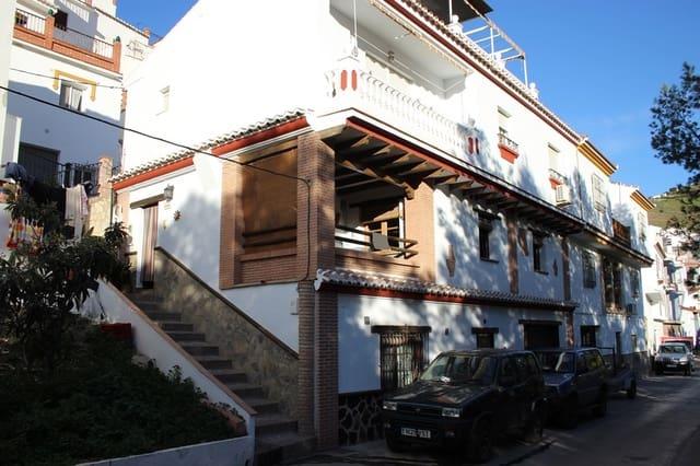 3 soveværelse Byhus til leje i Sayalonga - € 550 (Ref: 5533489)