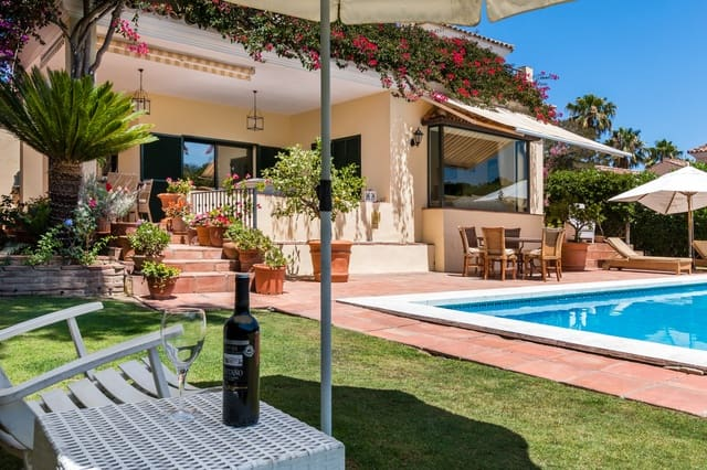 4 bedroom Villa for sale in Sotogrande with pool - € 865,000 (Ref: 4244233)