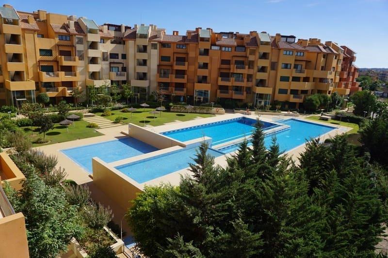 Apartamento de 2 habitaciones en Sotogrande en venta con piscina - 475.000 € (Ref: 5123695)