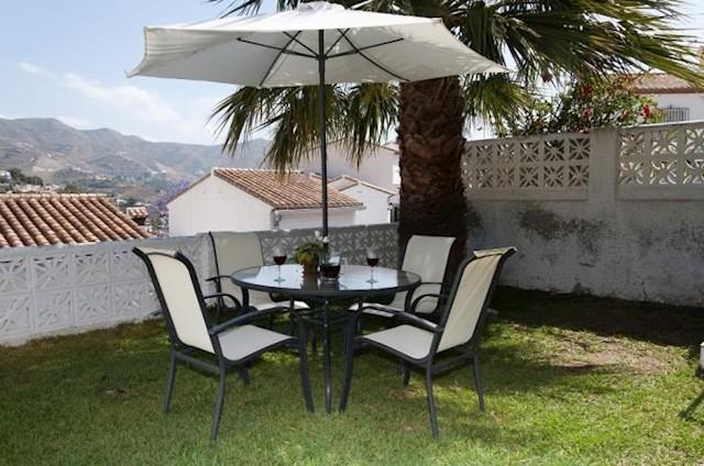 2 Zimmer Ferienvilla in Almunecar mit Pool Garage - 295 € (Ref: 3095239)