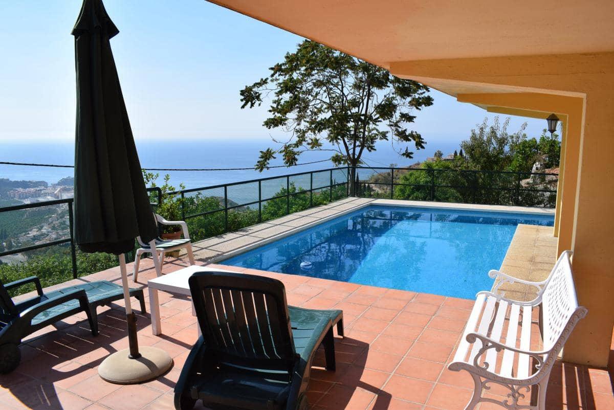 5 bedroom Villa for holiday rental in Almunecar with pool garage - € 790 (Ref: 5114232)