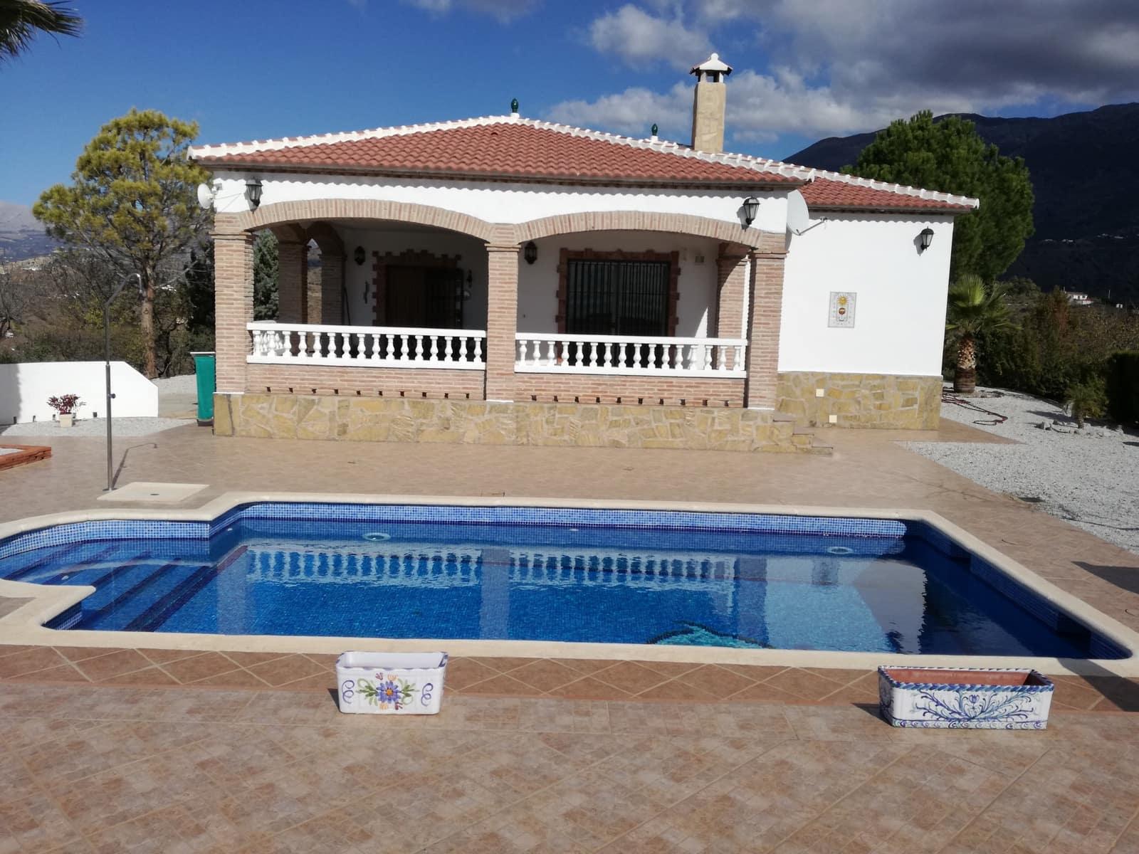 3 bedroom Villa for sale in Canillas de Aceituno with pool - € 395,000 (Ref: 3647892)