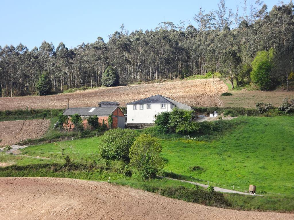 3 bedroom Finca/Country House for sale in Trabada - € 75,000 (Ref: 3366705)