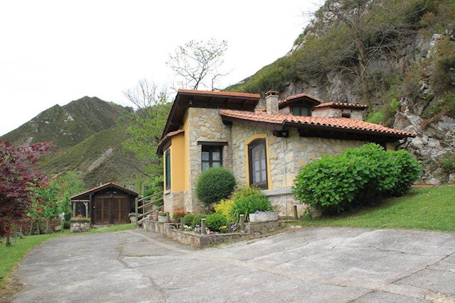 4 chambre Finca/Maison de Campagne à vendre à Parres - 180 000 € (Ref: 4017351)