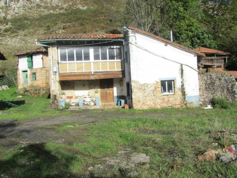 2 bedroom Finca/Country House for sale in Llanes - € 295,000 (Ref: 4428212)