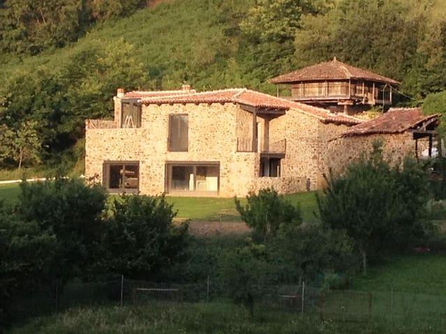 4 soverom Finca/Herregård til salgs i Soto del Barco - € 295 000 (Ref: 4954770)
