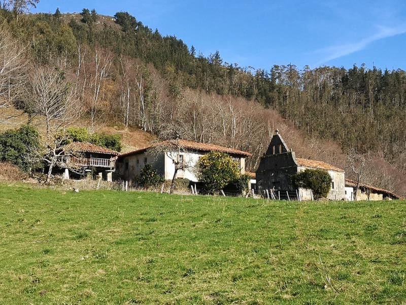 4 bedroom Finca/Country House for sale in Parres - € 600,000 (Ref: 5260225)