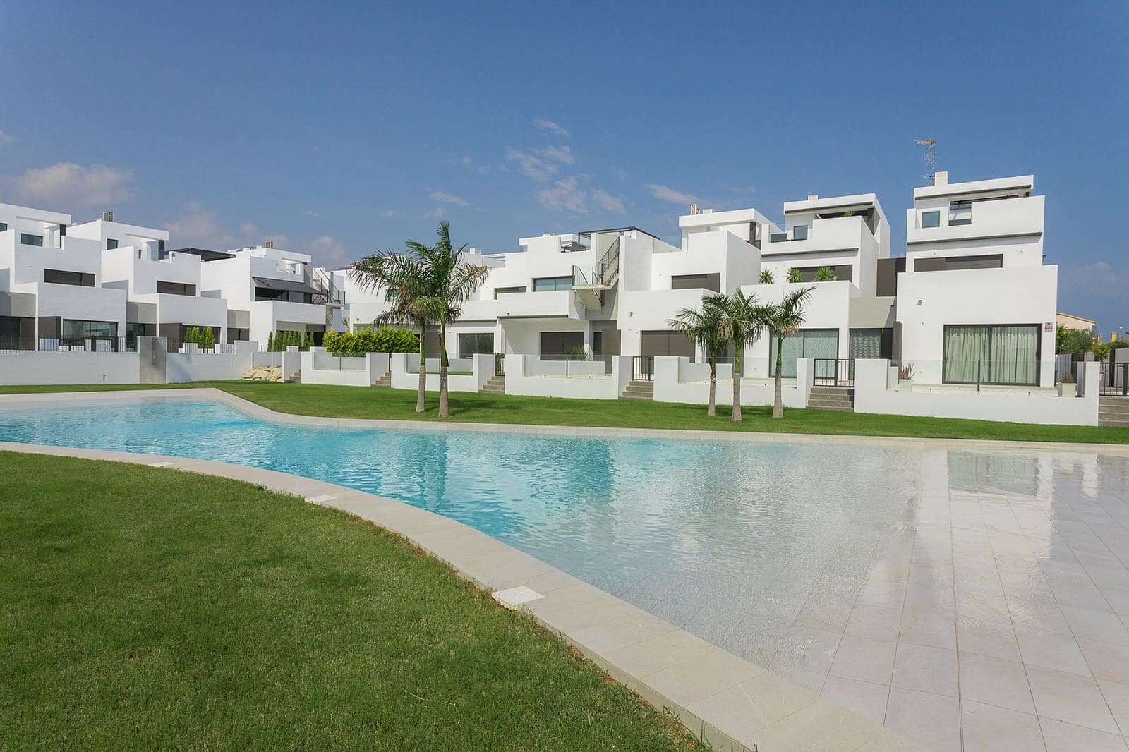Bungalow de 2 habitaciones en Pilar de la Horadada en venta - 179.900 € (Ref: 4557788)