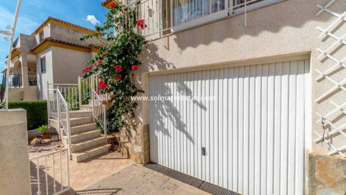 Casa de 3 habitaciones en Playa Flamenca en venta con piscina - 149.000 € (Ref: 4915849)