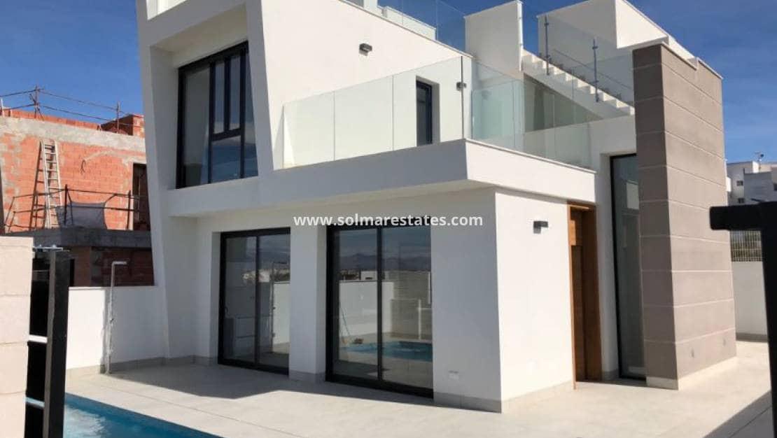 Chalet de 3 habitaciones en Benijófar en venta con piscina - 257.000 € (Ref: 4949991)