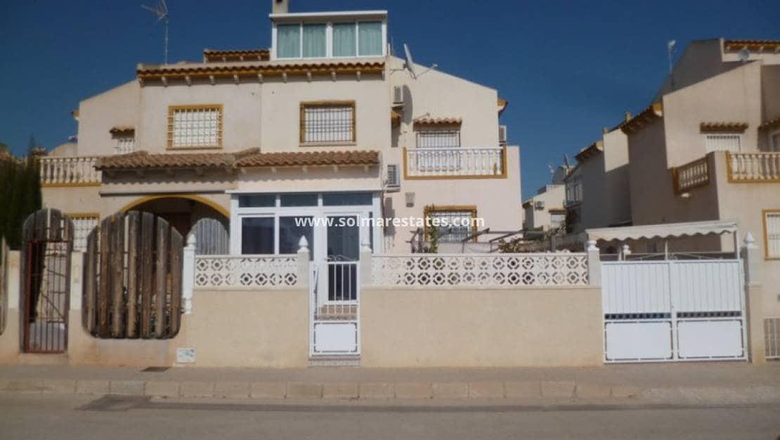 Casa de 4 habitaciones en Playa Flamenca en venta con piscina - 159.995 € (Ref: 4950060)