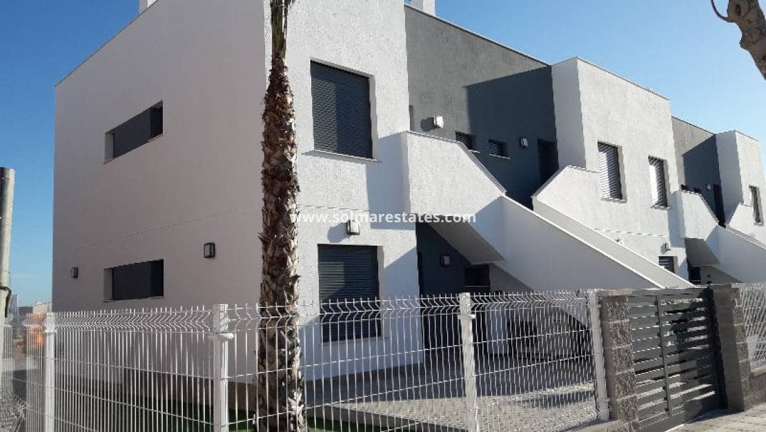 Apartamento de 2 habitaciones en Pilar de la Horadada en venta con piscina - 159.900 € (Ref: 4975479)